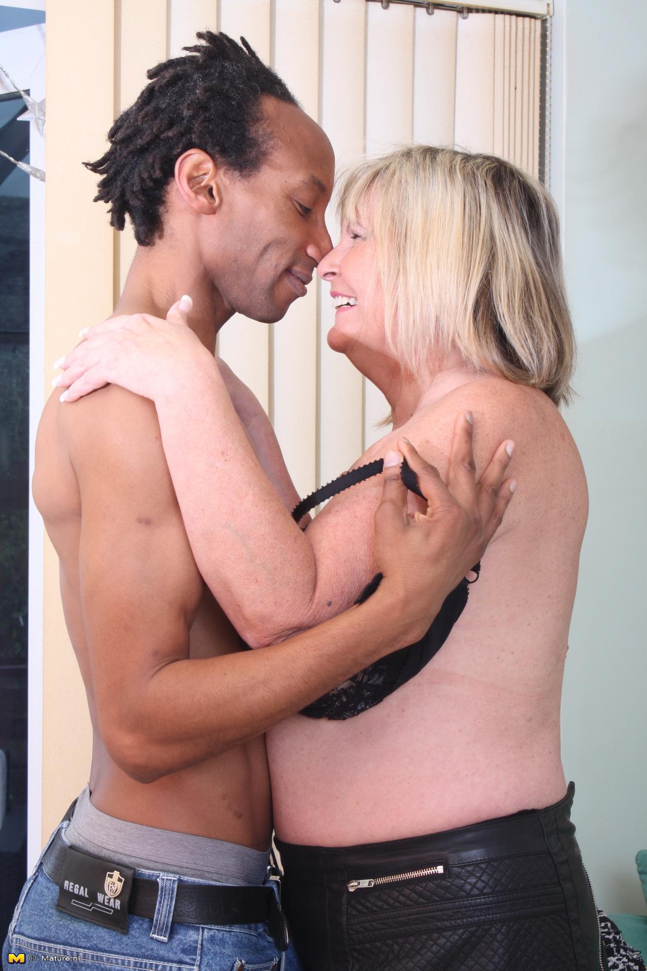 Amature bbw interracial