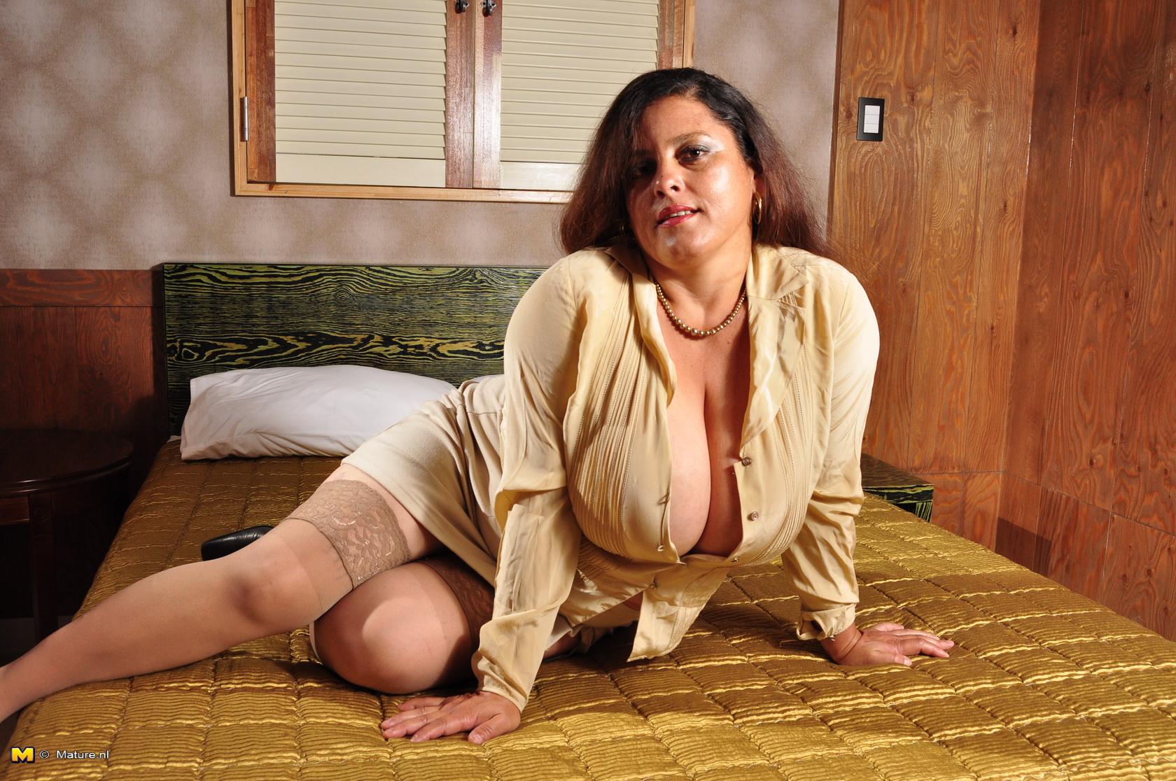 Фото больших зрелых, Порно фото зрелых женщин, Фотографии зрелых дам 16 фотография