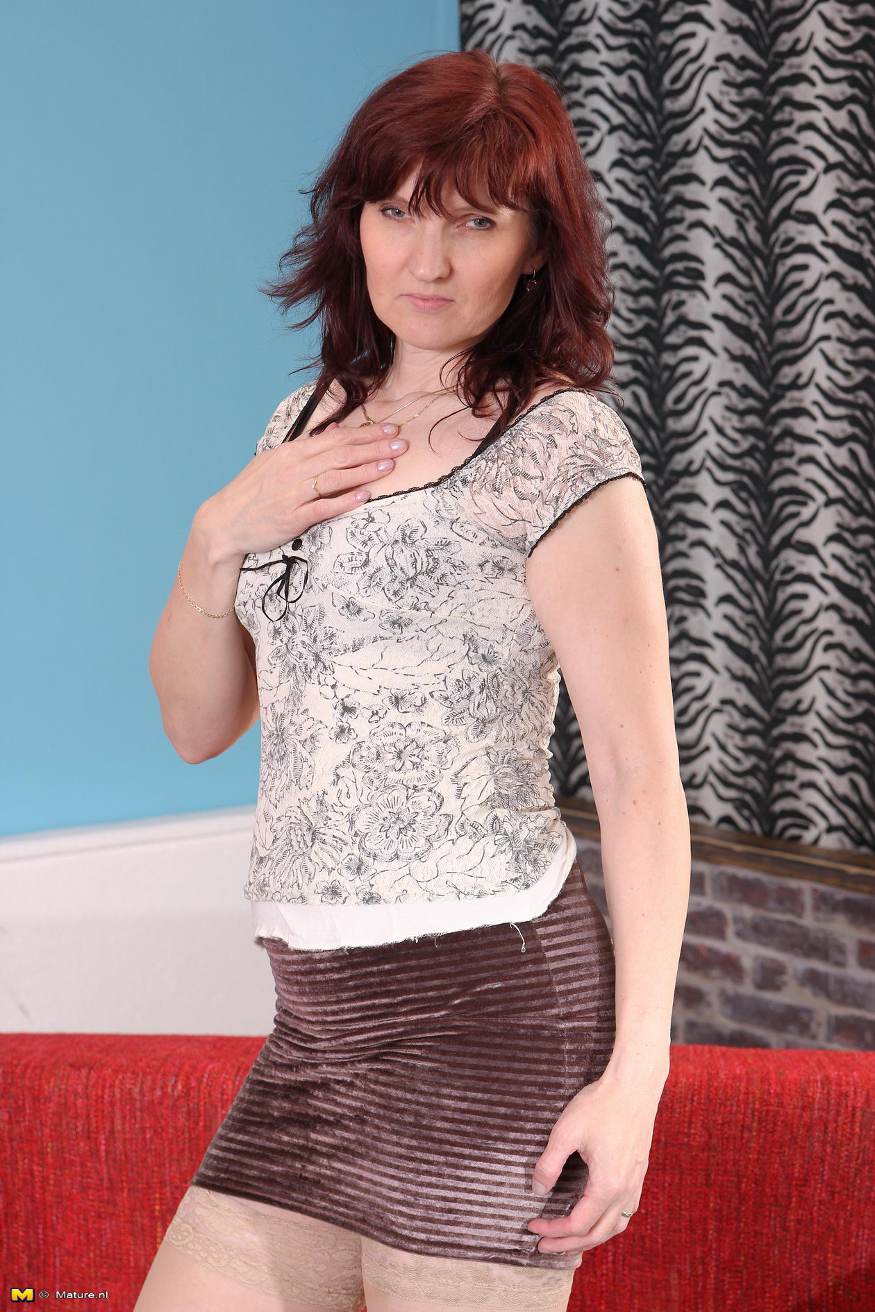 This naughty and hot British housewife loves to play alone