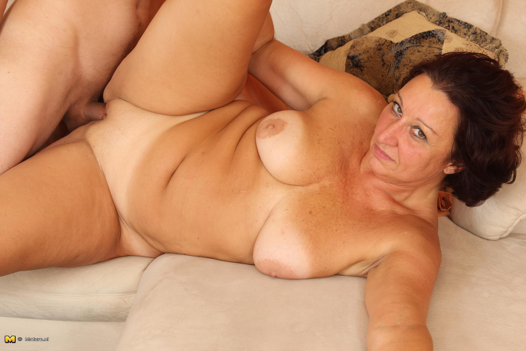 consider myself easy-going Old And Milf Lesbian Sex Pics year old sexy