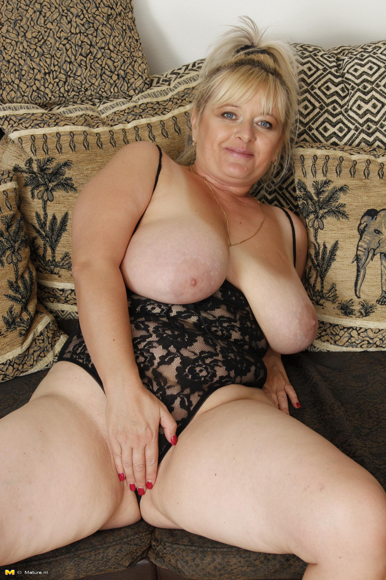 Charming Matures  Free Mature Porn Pictures
