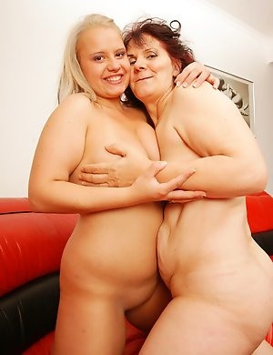 Horny old and young lesbian coiple get wet